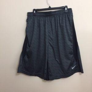 Nike basketball shorts XL
